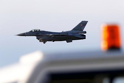 НАТО ввело в эксплуатацию третью авиабазу в Прибалтике