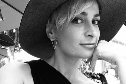 Подруга погибшего от выстрела Болдуина оператора рассказала о ее переезде в США