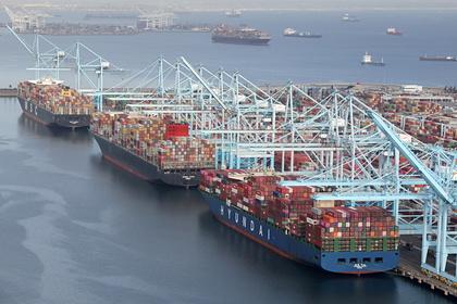 Пираты напали на контейнеровоз возле Нигерии